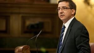 Carlos Salvador admite que las acusaciones afectan a la Presidenta y a la Consejera