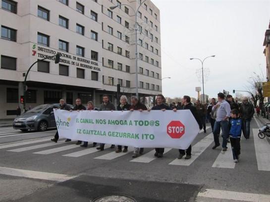 Agricultores y ganaderos piden la paralización del Canal de Navarra