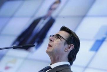 Soria anuncia ahora que el recibo de la luz subirá al menos un 2% en enero