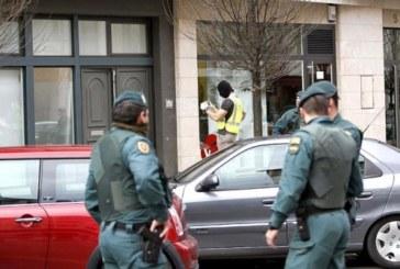 Interior compromete la operación de la Guardia Civil contra abogados etarras