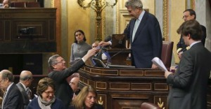 El Gobierno duda retocar la 'ley del aborto' ante los plantes de Cataluña y Andalucía