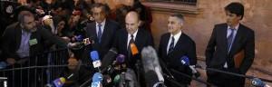 Miguel Roca, abogado de la Infanta Cristina a la salida de los juzgados.
