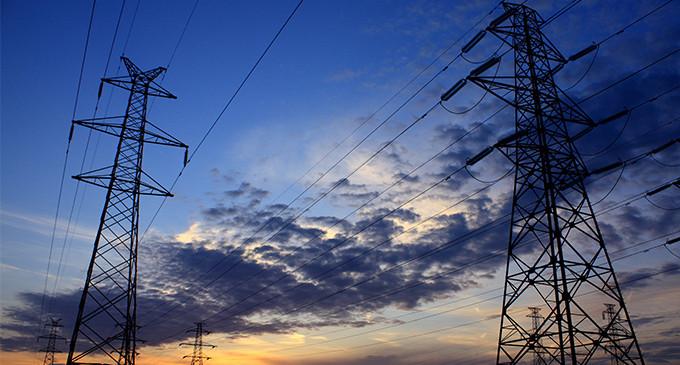 Industria dejará contratar a los hogares una tarifa anual de la luz y suprime las subastas