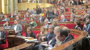 Nueve diputados del PP catalán votan por error a favor de la consulta soberanista en el Parlament
