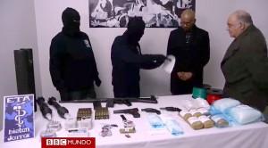 Los etarras se llevaron las armas tras el paripé de desarme ante los verificadores internacionales