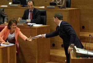 Barcina y Jiménez en el Parlamento Foral