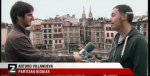 Rizando el rizo de la provocación: Etarra prófugo vende rutas turísticas 'revolucionarias por Euskal Herria'