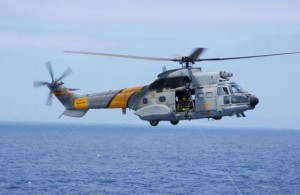 Cuatro desaparecidos y un rescatado tras caer al mar un helicóptero del Ejército al sur de Canarias