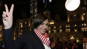 Una gaditana, alcaldesa socialista de París tras las elecciones municipales de Francia, ganadas por la derecha