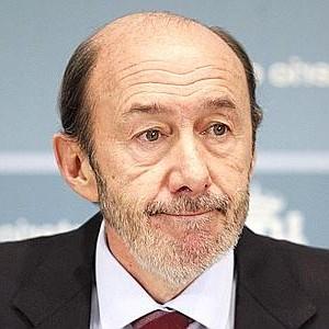 Pérez Rubalcaba dejará el escaño en septiembre y volverá a la Universidad tras 21 años como diputado