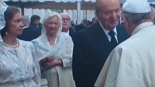 EDITORIAL: La Iglesia católica canoniza a dos Papas y mueve al mundo