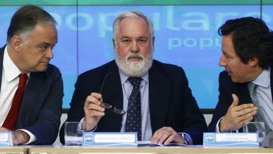 Cañete promete una bajada de impuestos y el cumplimiento del programa electoral
