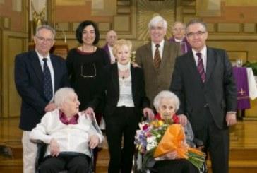 El alcalde felicita a Vicenta Garralda en el día de su 100 cumpleaños