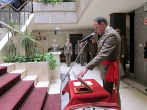 El nuevo Comandante Militar,  prAlvaro-Michael-Sacristan, estando juramento.