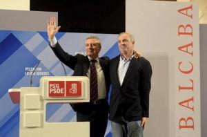 José Blanco, junto al líder del PSdeG, Pachi Vázquez, en un mitin en Ourense. EFE