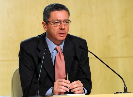 Ruiz Gallardón pide que no se den pretextos territoriales para no apoyar la Sucesión de la Corona