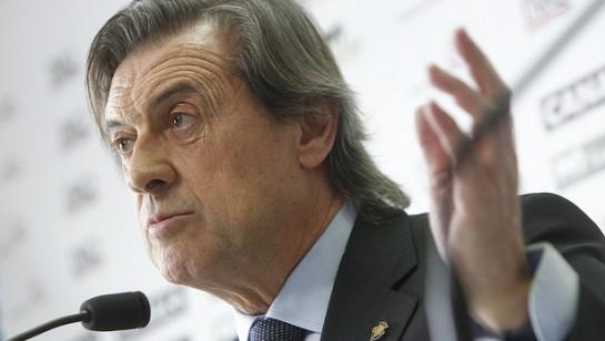 Miguel Archanco pone su cargo de presidente a disposición de los socios del Club Atlético Osasuna