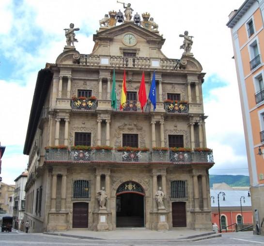 Aumentan en 109 las parejas estables no casadas en Pamplona  en 2015