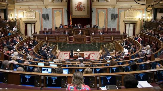 Partidos de izquierda piden un referéndum: Monarquía o República