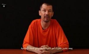 El Estado Islámico publica un nuevo vídeo propagandístico del rehén británico. EFE.