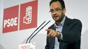 El PSOE sólo pedirá a Chaves y Griñán que dejen sus escaños sin van a juicio