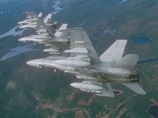 Canadá estudia enviar aviones de combate para atacar a EI en Irak y Siria