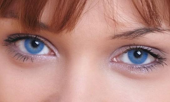 No es necesario nacer con ojos azules para tenerlos