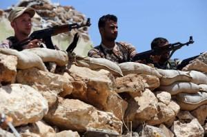 Soldados kurdos defienden su territorio del Estado Islámico.