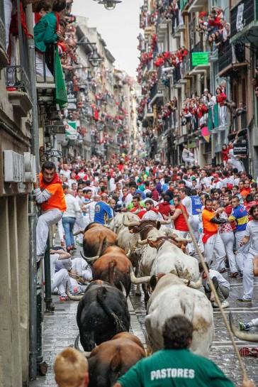 Rubén Albarrán gana el I Concurso de Fotografía San Fermín con 'Enfilando la Estafeta'