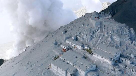Ascienden a 36 los muertos por la erupción del Monte Ontake en Japón