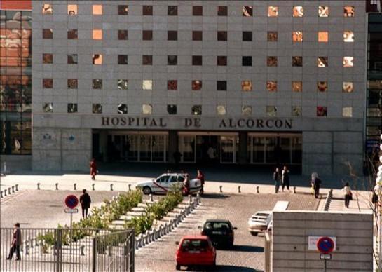 Crece la alarma en torno al ébola: cinco hospitales de Madrid han habilitado zonas de aislamiento