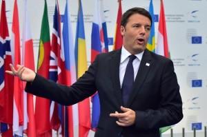 AFP/AFP - El primer ministro italiano, Matteo Renzi, anfitrión de la conferencia sobre empleo y crecimiento el 8 de octubre de 2014 en Milán