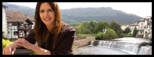 Dolores Redondo recibe el premio «Periodistas de Navarra»