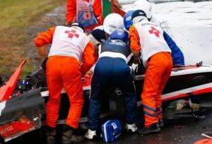 Jules Bianchi, atendido tras sufrir el accidente en Suzuka. Getty Images GETTY