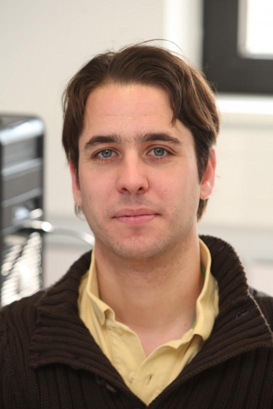 Gonzalo Arrondo, investigador de la Universidad de Cambridge, en el ICS de la Universidad de Navarra