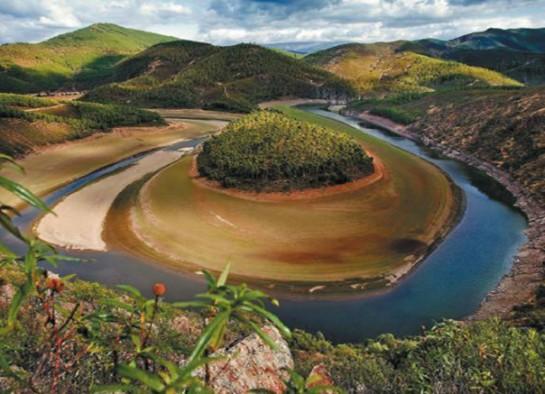 Las Hurdes, primera Maravilla Rural de España 2014; el nacedero del Río Urederra, en quinta posición