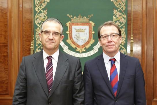 El embajador de Finlandia en España, Roberto Tanzi Albi, visita Pamplona