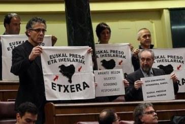 Presos de ETA proponen que se vote a Podemos y no a Amaiur en las generales
