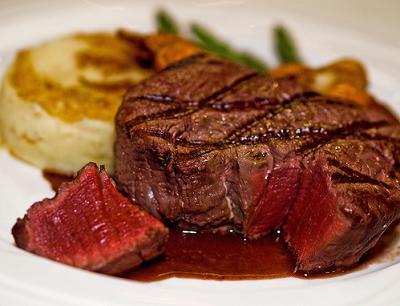 Lanzan una guía nutricional para promover un consumo saludable de carne roja
