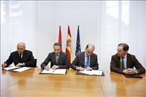 Instituciones navarras firman un convenio para «exponer» la obra de Fernando Redón