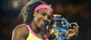 Serena Williams, feliz con su trofeo. DR