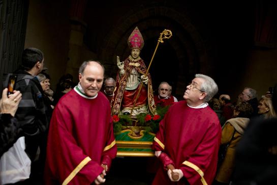 Mañana martes, festividad de San Blas con el tradicional mercadillo de dulces y la procesión