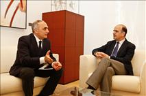 El Presidente recibe al embajador de Azerbaiyán en España
