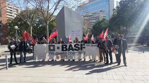 Los trabajadores de Basff Tudela se concentran en Barcelona