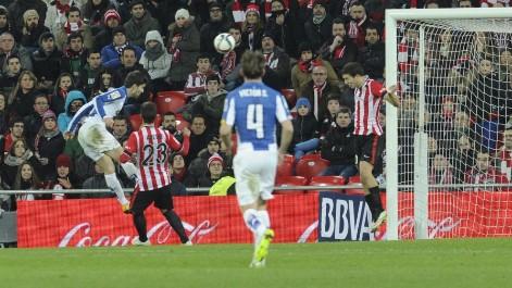 El Español arranca un  valioso empate de San Mamés