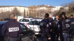 Grupos narcos dispararon contra la policía, cerca de donde se espera la visita el primer ministro, Manuel Valls