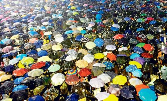 Penas de hasta 16 meses de cárcel para los líderes de la Revolución de los Paraguas