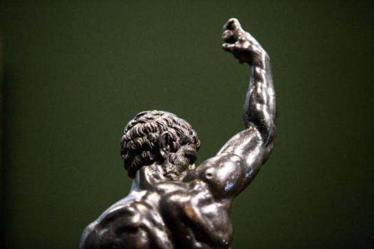 Hallan dos esculturas de bronce que podrían ser de Miguel Ángel