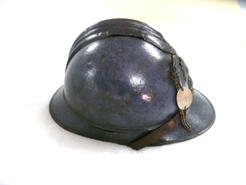 El Museo Etnológico presta un casco de la Primera Guerra Mundial para una exposición en Bayona