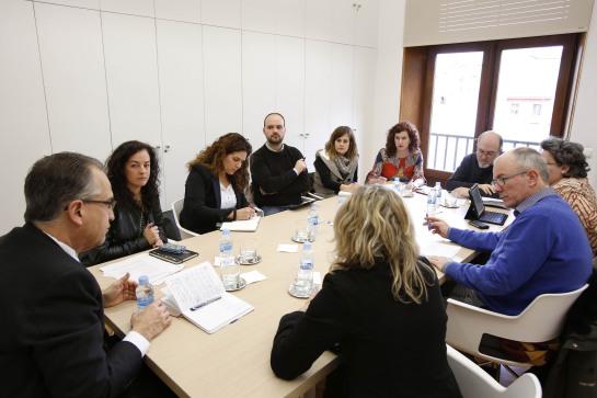 El Ayuntamiento trabaja sobre nuevas líneas de colaboración con las asociaciones de comerciantes